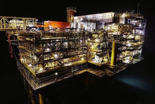 crude-oil-over-the-ocean