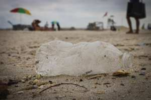 beach-cleanup-empowerment-in-the-workplace