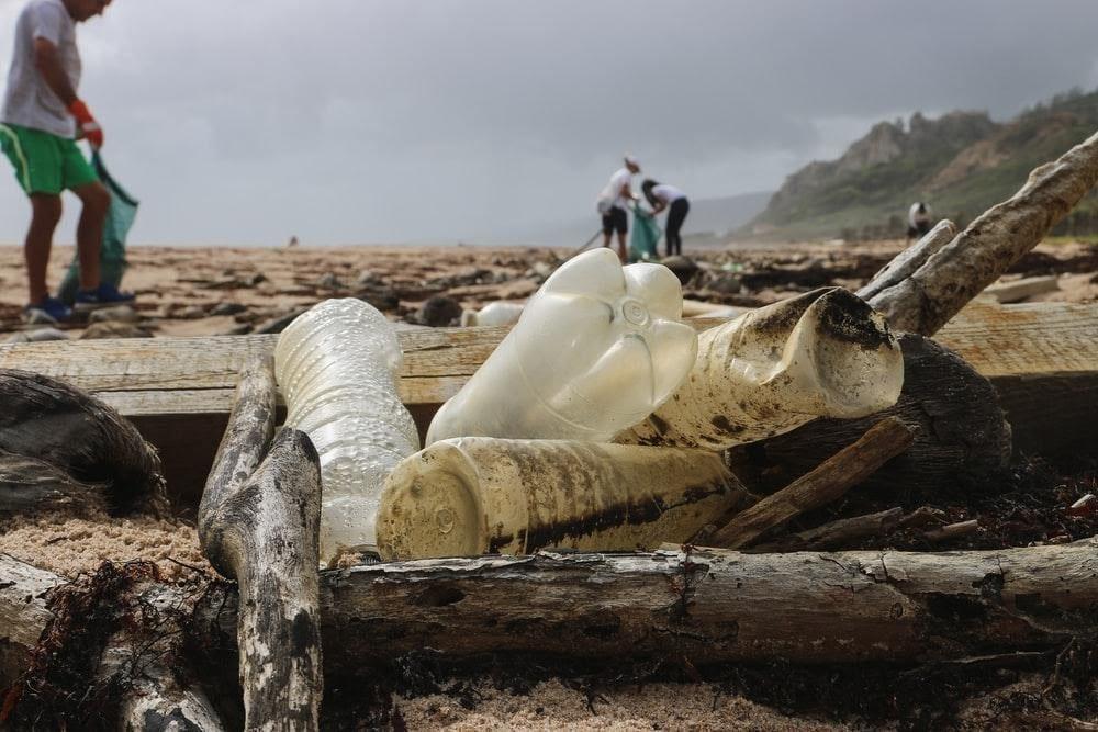 beach-plastic-ocean-cleanup-volunteers