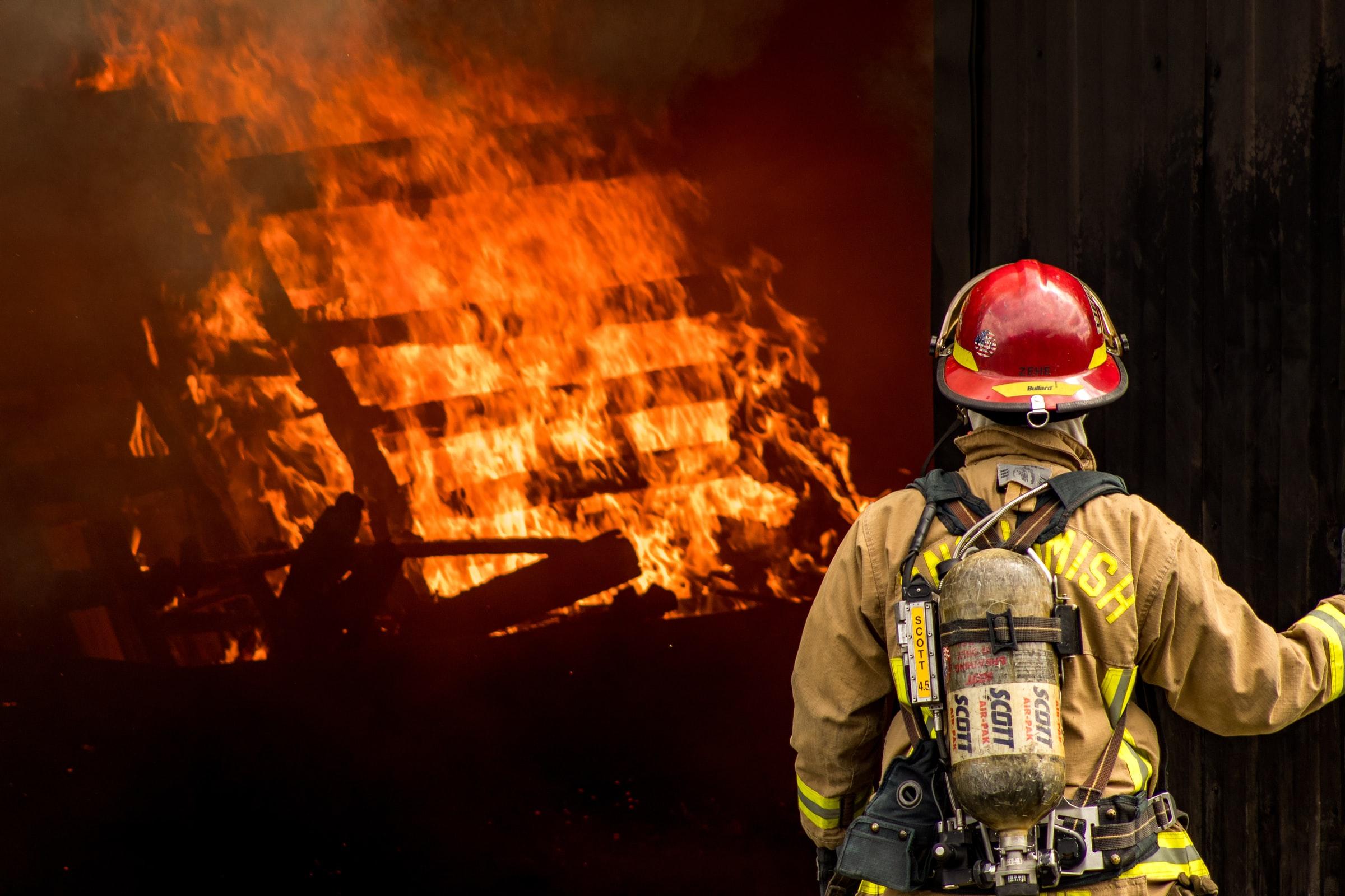 fireman-wildfire