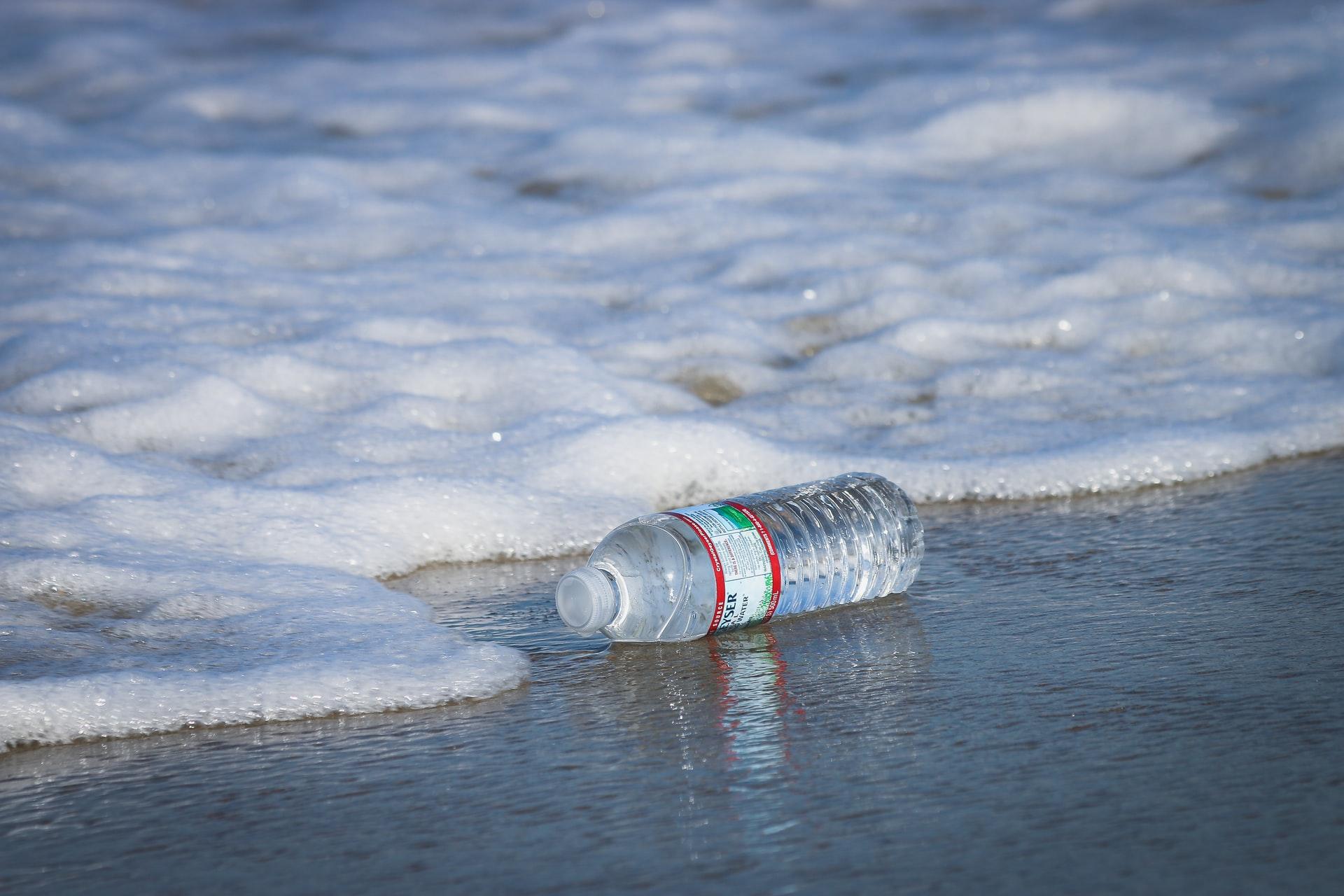 single-use-plastics-vs-our-one-world-ocean
