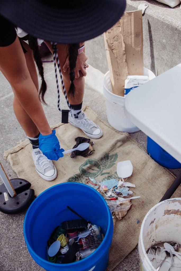 plastic-ocean-blue-project-volunteers